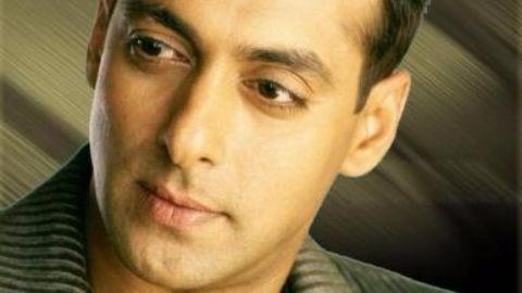Salman Khan wins Filmfare award for best debutant