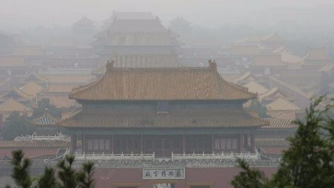 Heavy smog alerts for Chinese cities