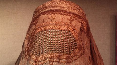 British minister triggers debate over veils