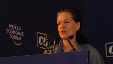 Ishrat case: Mani alleges torture, Sonia defends PC