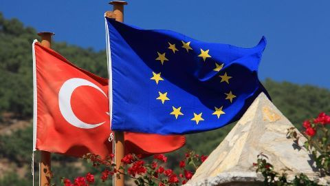 Turkey, EU strike a deal to tackle migrant crisis