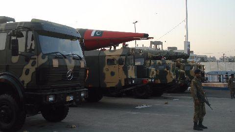 Pak nukes may go to terrorists: US study