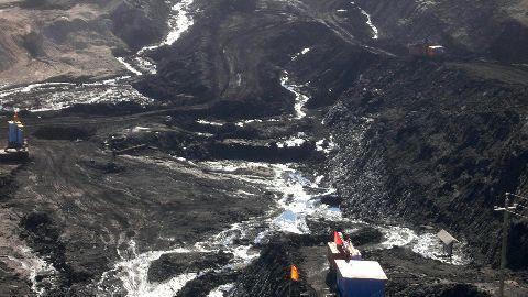 19 killed in coal mine cave-in in China