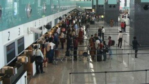 1800 SpiceJet flights cancelled