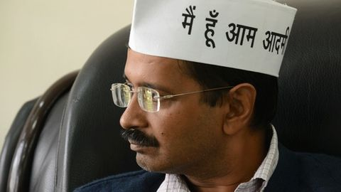 MCD workers now protest outside Kejriwal's house