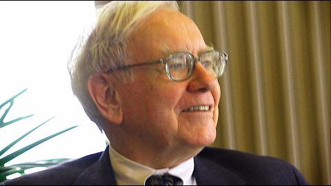 Warren Buffett to give away his fortune to charity