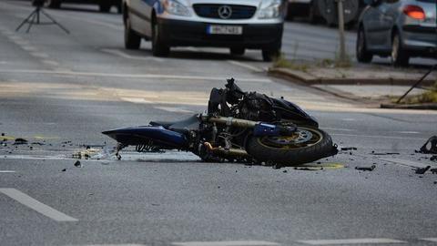Speeding car crushes man on DLF phase I flyover