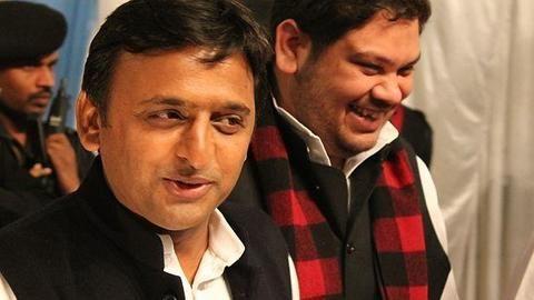 Truce between Akhilesh Yadav and Mulayam Singh Yadav