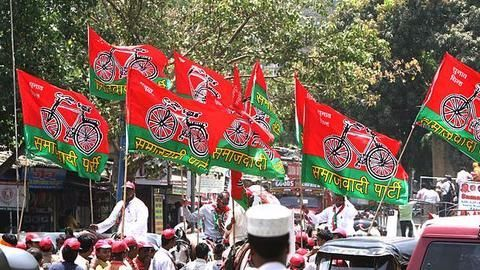 Samajwadi Party implodes over party symbol