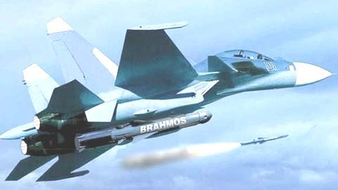 #DefenseDiaries: Integration of BrahMos on 40 Sukhoi-30MKI combat aircraft begins!