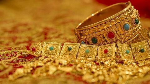 India's love for gold! Gold buying trends in the country