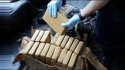 Delhi Police Crime Branch nabs drug peddlers