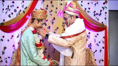 Gay couple gets married in Maharashtra's Yavatmal