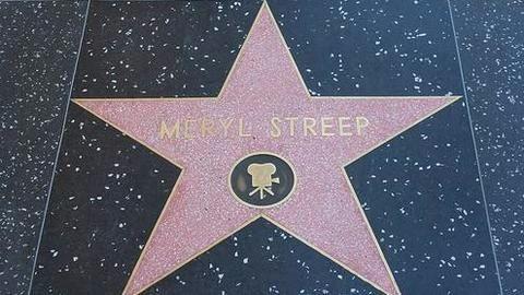 Meryl Streep calls for defending free press