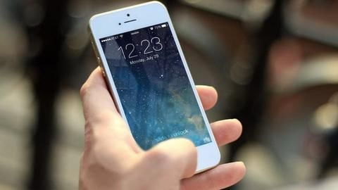Study: Mere presence of a smartphone can reduce brain power